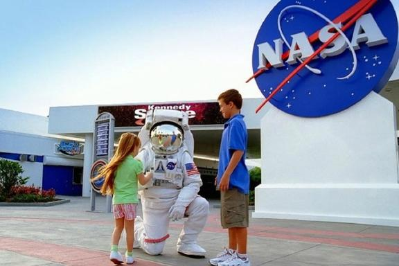 Kennedy Space Center & Airboat Safari Tour