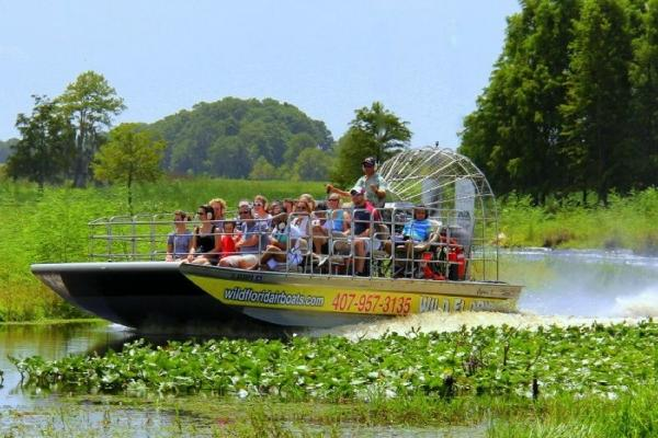 Wild Florida Airboat Ride and Shopping Tour Combo