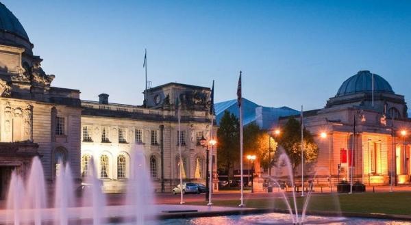 Cardiff Hop-on Hop-off Tour