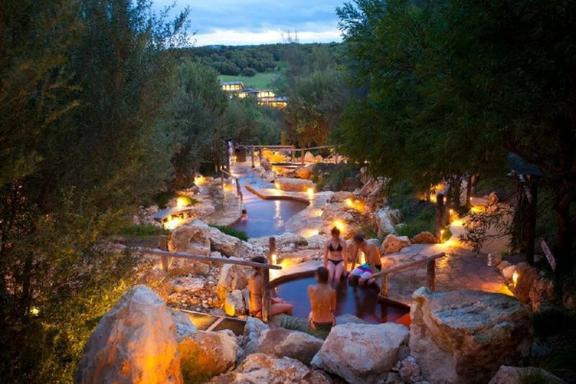 1-Day Peninsula Hot Springs Tour