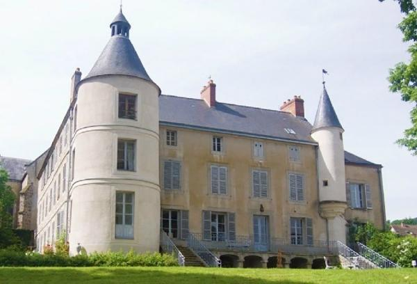Champagne Day Trip from Paris w/ Private Estate Visit and Tasting