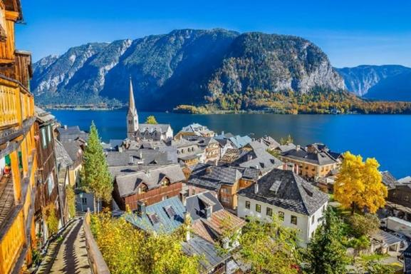 Day Trip to Hallstatt from Salzburg