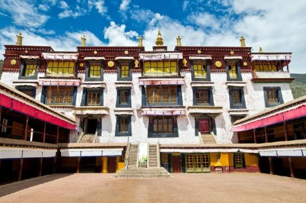 15-Day Tibet Adventure: Lhasa, Everest Base Camp and Mount Kailash Pilgramage