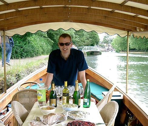 Relaxing Oxford Picnic Cruise
