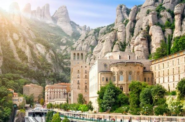 Small Group Tour of Barcelona and Montserrat w/ Personal Pick-up