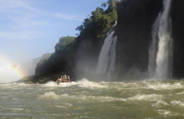 Ultimate Iguazu Falls Tour: Devil's Gorge Train - Gran Aventura - Argentina Side