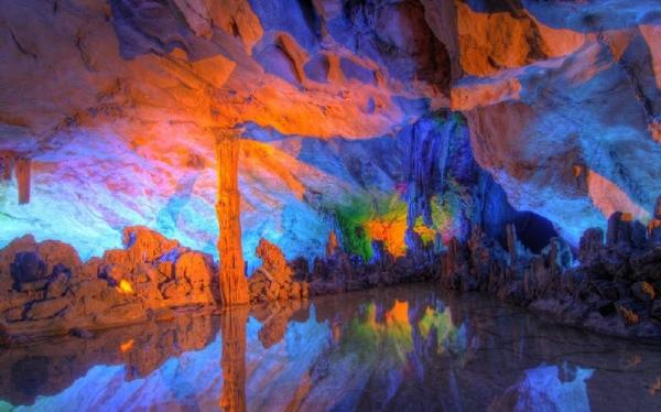 Guilin Sightseeing Tour: Reed Flute Cave, Fubo Hill, Elephant Trunk Hill and Seven Star Park