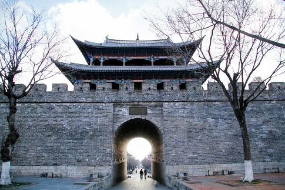 Beijing Sightseeing Tour: Mutianyu Great Wall and Ming Tombs
