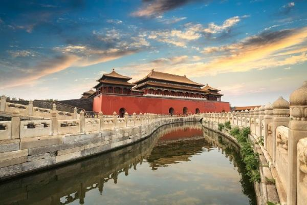 Beijing Sightseeing Tour: Badaling Great Wall and Ming Tombs