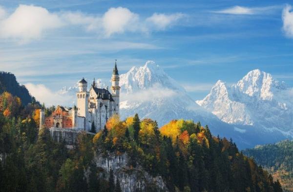 Neuschwanstein Castle Tour from Frankfurt w/ Rothenburg