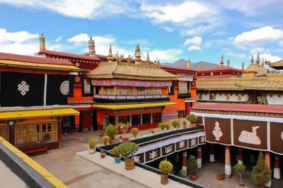 5-Day Lhasa Tour W/ Ganden Monastery
