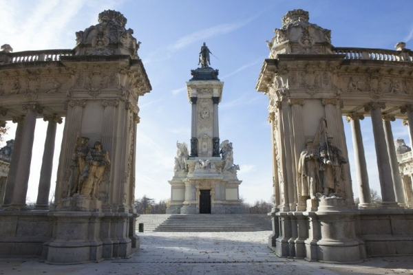 7-Day Madrid to Barcelona and Paris Tour Package**w/ Madrid-Barajas Airport Pick-up Service**