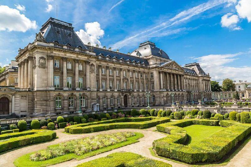 8-Day Central + Western Europe Holiday: Prague to Paris