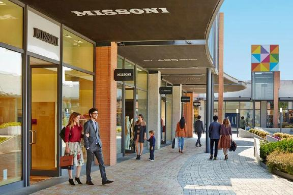 Vicolungo The Style Outlets Shopping Tour from Milan