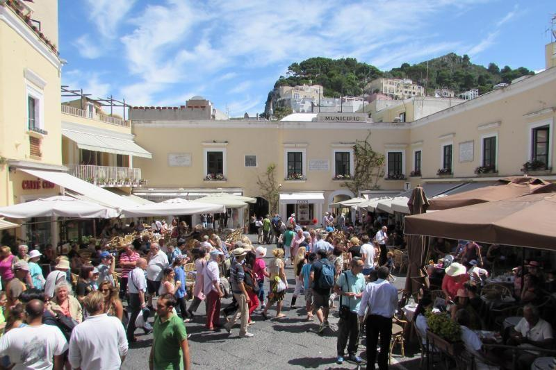 3-Day Capri Island Tour From Rome W/ The Blue Grotto