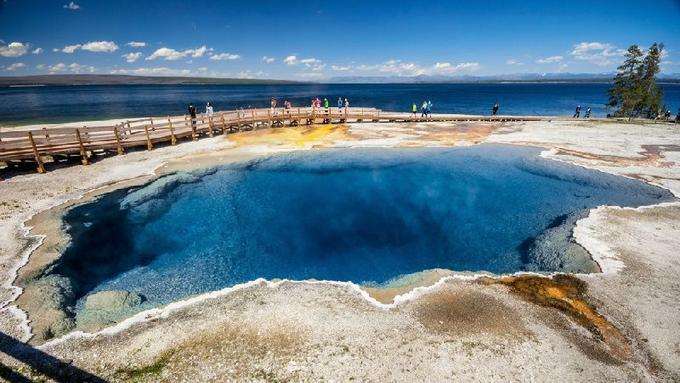 8-Day San Fransico, Las Vegas, Yosemite, Grand Teton, Grand Canyon and In-Depth Yellowstone Tour Package