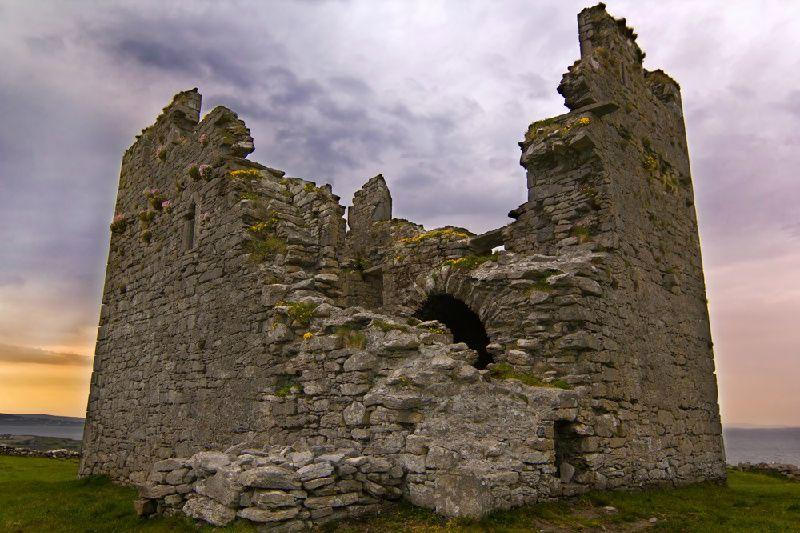 Aran Islands and Cliffs of Moher Day Tour w/ Doolin Ferry