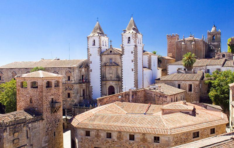 4-Day Spain and Portugal Tour: Lisbon | Fatima | Caceres