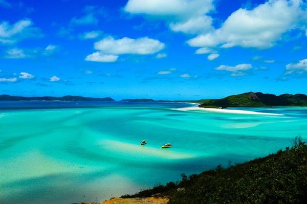10-Day Australia Tour: Fraser Island, Noosa River, Rockhampton, Whitsunday Islands, & Airlie Beach**Brisbane to Cairns**<br>** Yolo Style: 18-39 Only**