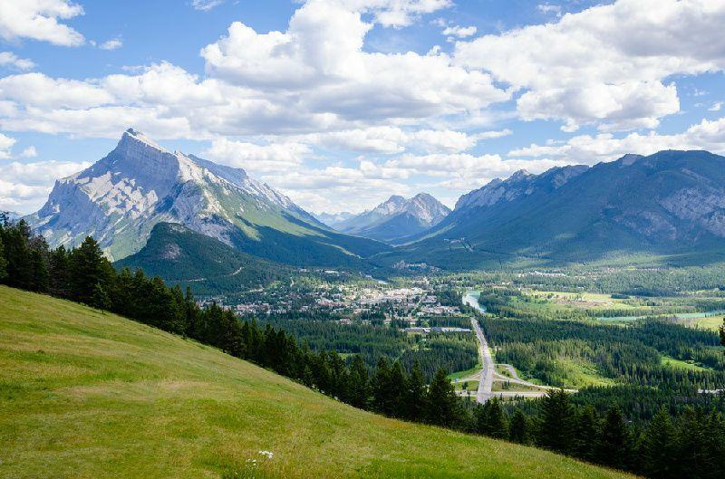 3-Day Canadian Rocky Mountain Summer Tour Package From Calgary