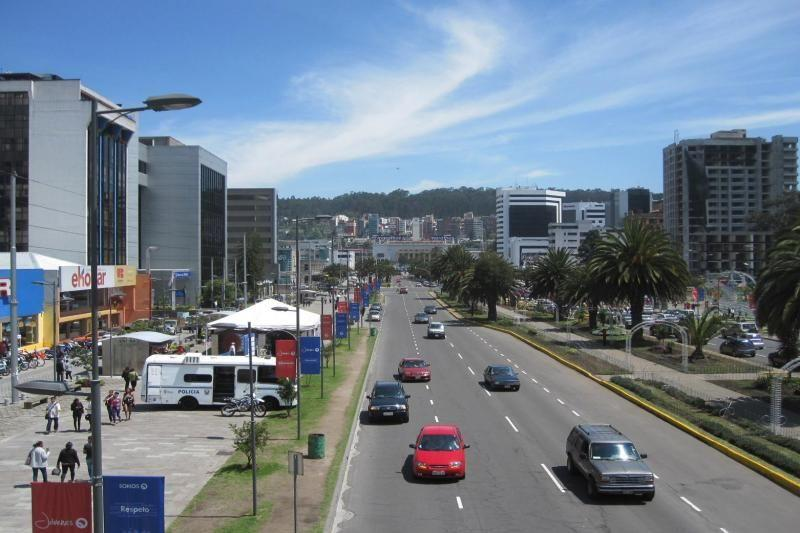 Quito Airport Transfer - Shared, One-Way From Hotels