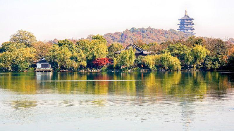 Hangzhou Day Tour: Leifeng Pagoda and Qinghefang Street