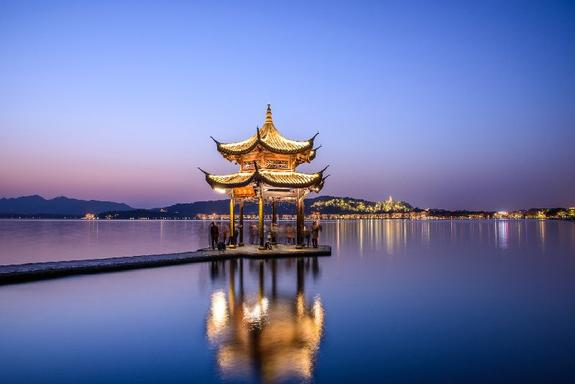 Hangzhou Night Tour w/ Dinner and