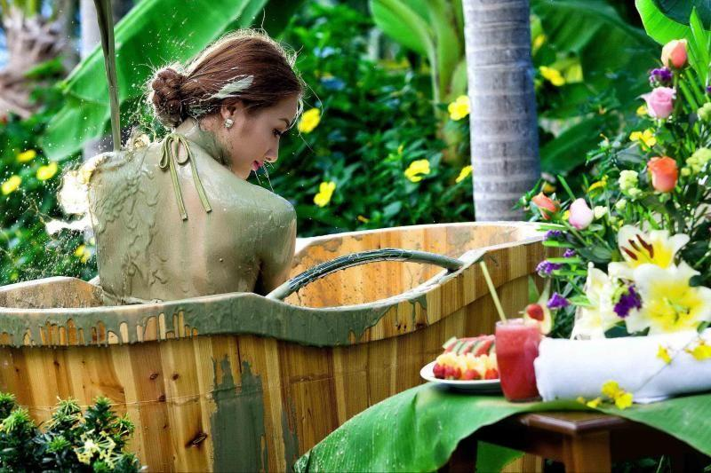 Thap Ba Hot Spring Bath & Mud Spa in Nha Trang