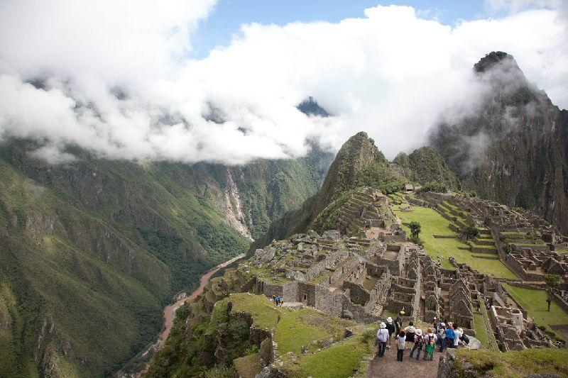 4-Day Cusco Tour: Sacred Valley & Machu Picchu