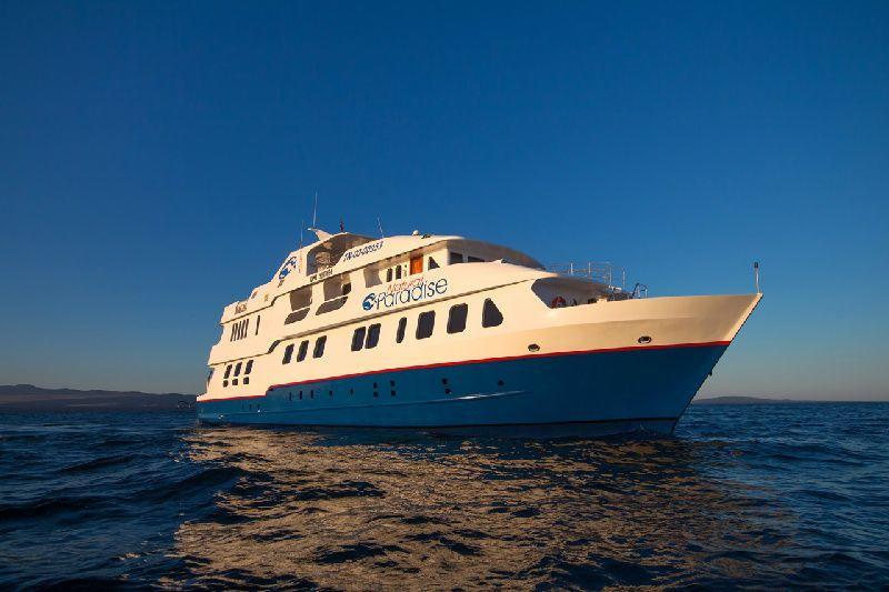 Natural Paradise Yacht - Galapagos Cruise