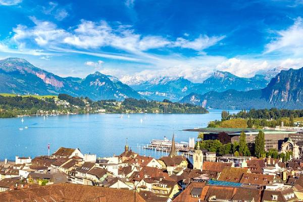 5-Day Swiss Alps Holiday Package: Lucerne to Interlaken**Ticket to Jungfraujoch Included**
