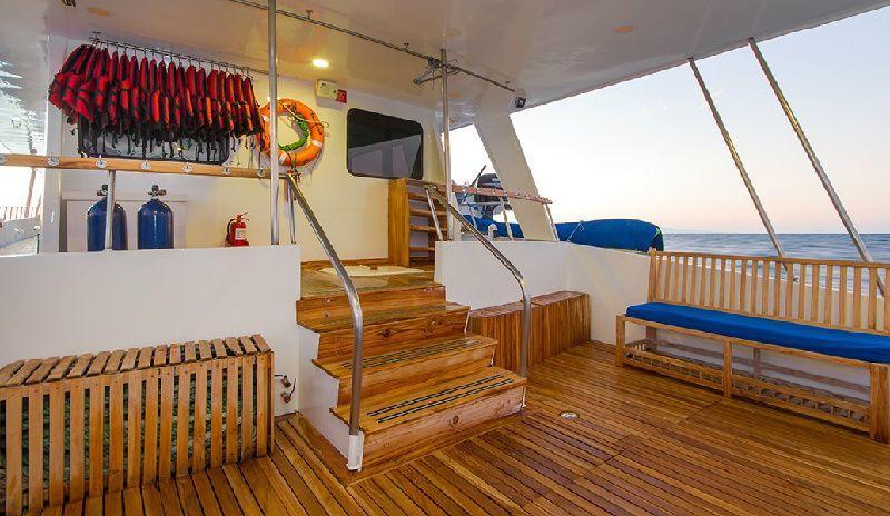 Tip Top III - Galapagos Cruise