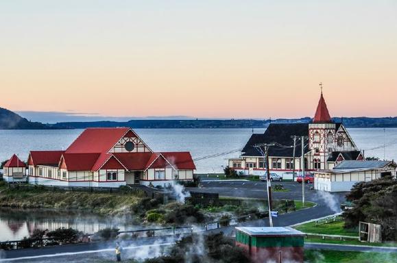 13-Day North Island Adventure Tour: Winter Departures