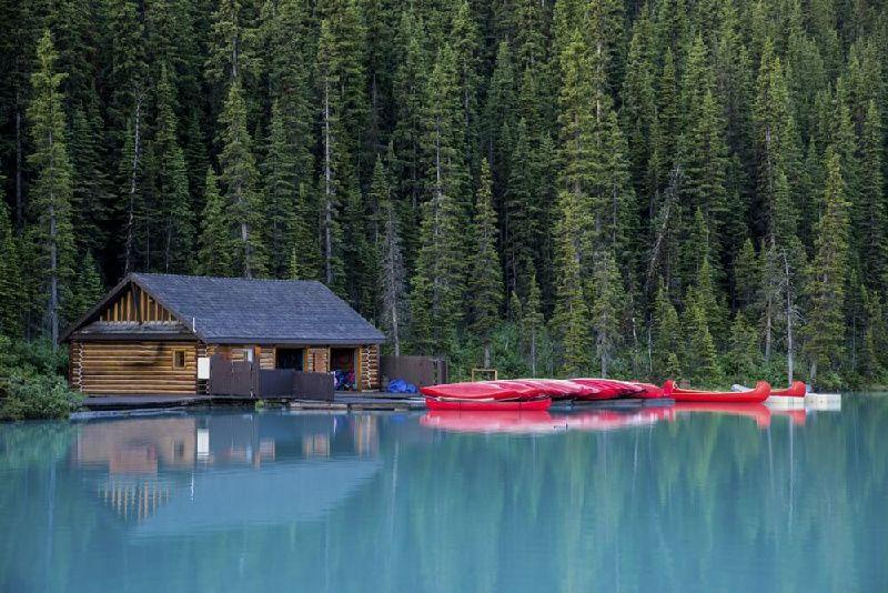 7-Day Vancouver, Victoria, Chemainus & Canadian Rockies Summer Tour Package