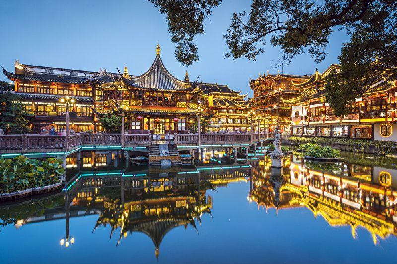 Half-Day Private Tour of Shanghai Yu Garden and Xintiandi