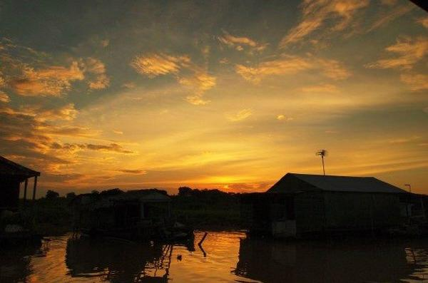 Tonle Sap Sunset Dinner From Siem Reap