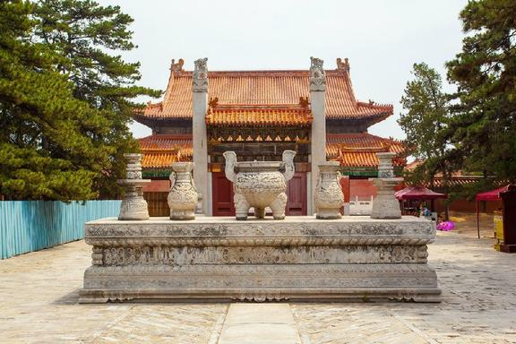 Private Hanyangling Museum and Qianling Mausoleum Tour