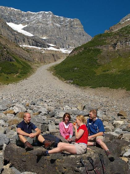 Plain of Six Glaciers Hiking Tour