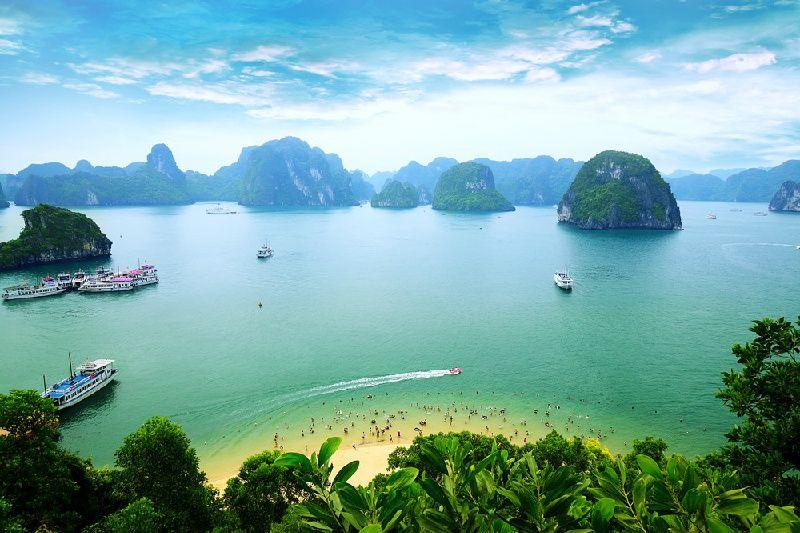 7-Day Highlights of Vietnam Tour: Hanoi to Ho Chi Minh City
