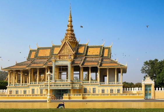 5-Day Vietnam & Cambodia Tour: Ho Chi Minh City to Phnom Penh