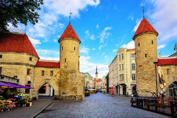 13-Day Central Europe and Baltic States Tour Package