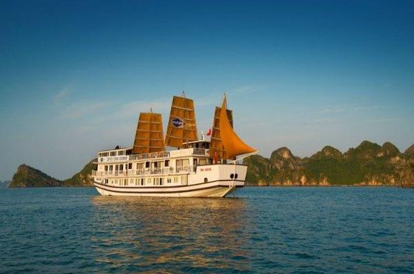 3-Day Enchanting Halong Bay Cruise From Hanoi