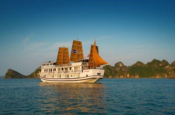 3-Day Luxury Halong Bay Cruise From Hanoi