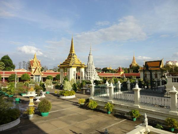 Private Phnom Penh Culture & Genocide History tour