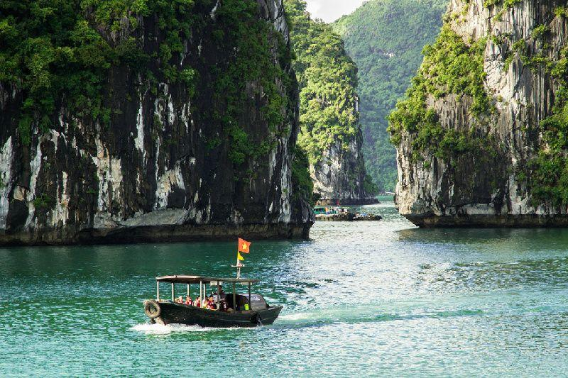 21-Day Indochina Tour: Thailand - Laos - Vietnam - Cambodia