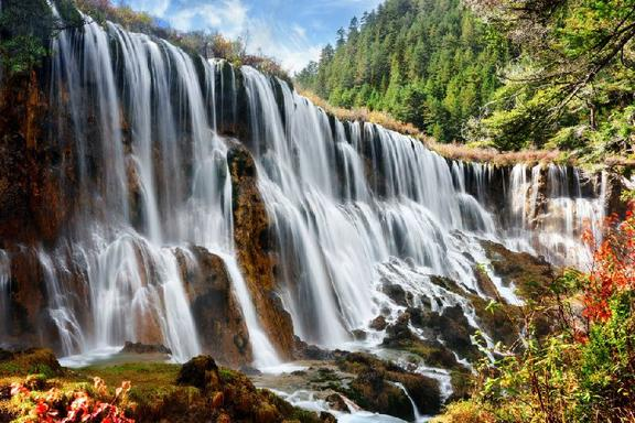 4-Day Jiuzhaigou and Huanglong Small Group Tour From Chengdu