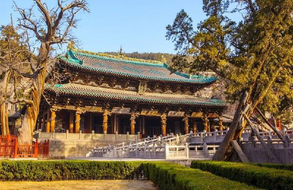 13-Day Beijing and Xi'an In-Depth Tour Package w/ UNESCO World Heritage Sites Chengde Mountain Resort and Yungang Grottoes**Start in Beijing, End in Xi'an**