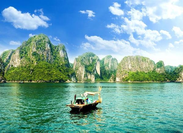 4-Day Hanoi Tour W/ Halong Bay Cruise