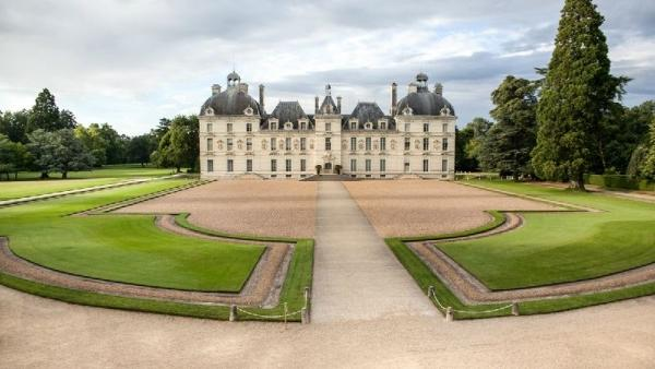 Loire Valley Day Trip from Paris: Chambord | Chenonceau | Cheverny