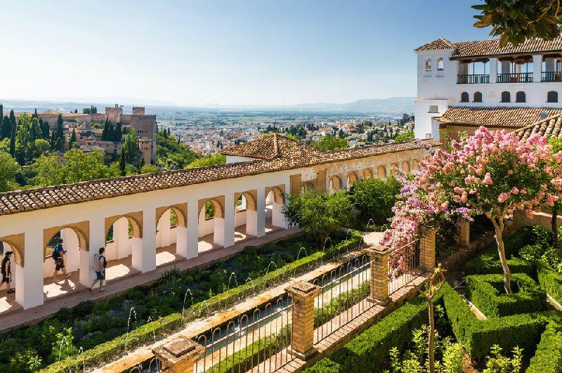 7-Day Madrid, Andalucia, and Toledo Small Group Tour from Barcelona